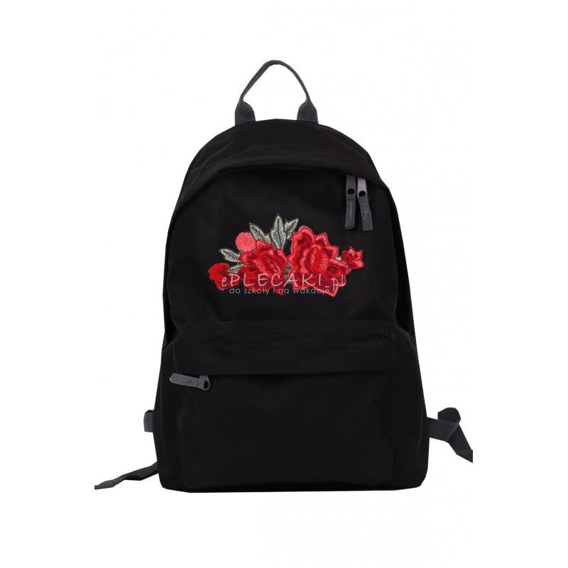 b7390348a0db9 ... Plecak zdobiony haftem na kieszeni haftem RÓŻE roses - miejski back to  school ...