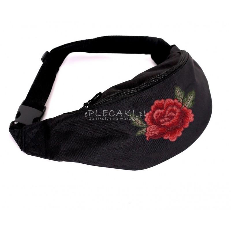 63ab3a4a1b5fd Saszetka na pas / nerka czarna z haftowaną różą dla dziewczyny