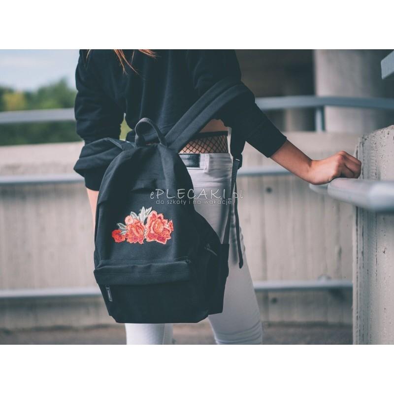 9a91331d3898d ... Plecak zdobiony haftem na kieszeni haftem RÓŻE roses - miejski back to  school