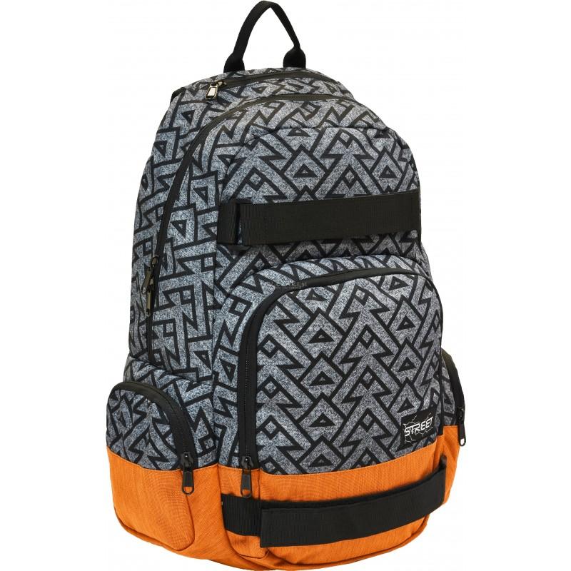 ace2c0c0f049a Szary plecak w czarny wzór z brązowym spodem na laptop do szkoły