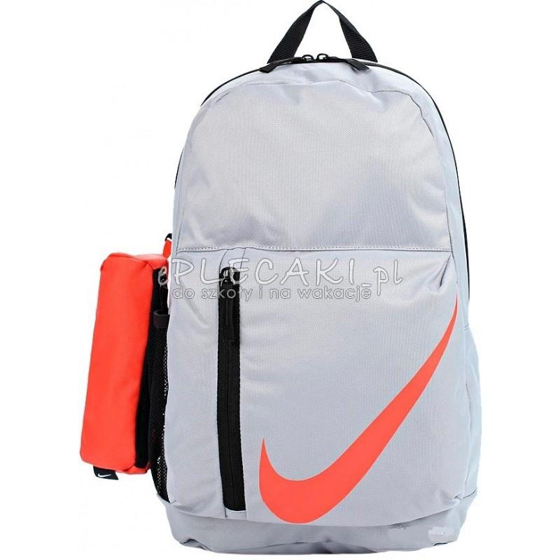 7393557919fd2 Lekki jasnoszary plecak gładki Nike z piórnikiem