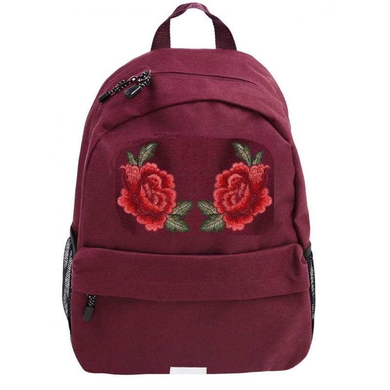 d2f72d9c50104 Bordowy plecak z czerwonymi różami - haftowana naszywka dla dziewczyny