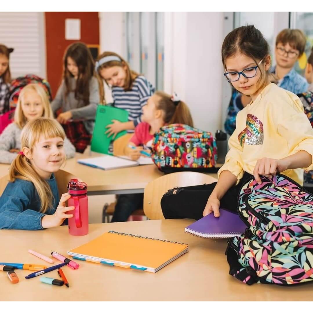 Wyprawka szkolna dla pierwszoklasisty i nastolatka. Przybory szkolne - co kupić?
