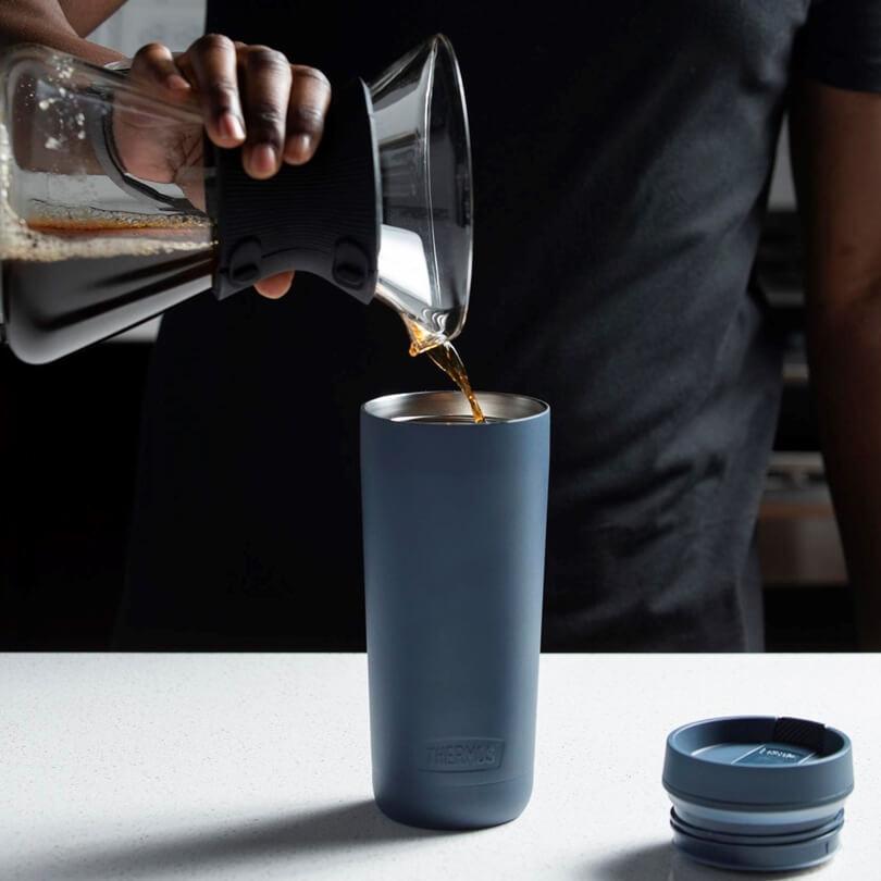 Termos na kawę.
